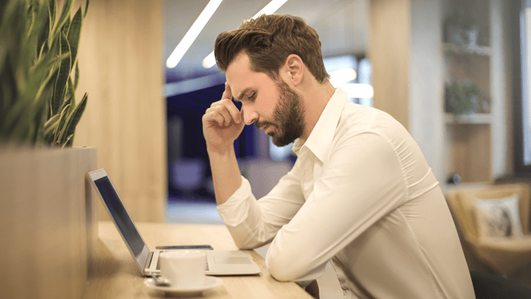 Como lidar com problemas pessoais no ambiente de trabalho