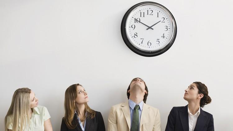 Qual a diferença entre hora extra e banco de horas?